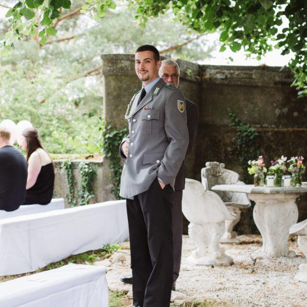 Bräutigam-wartet