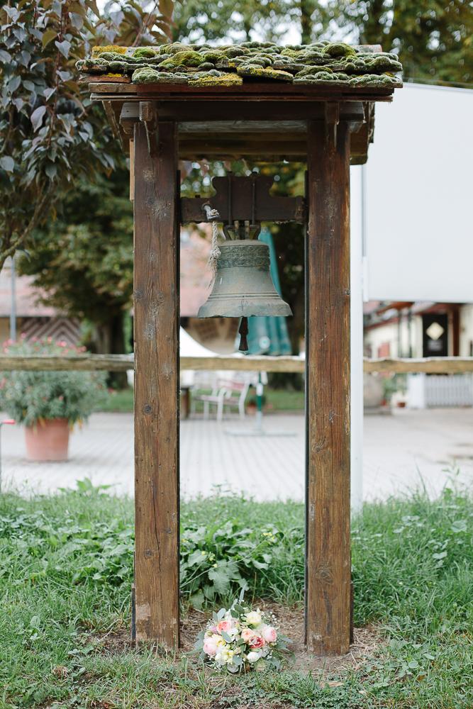 Brautstrauß-mit-Glocke