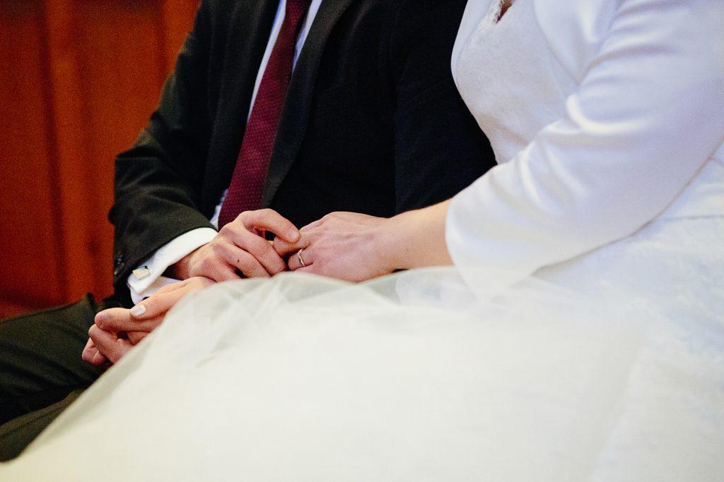 Händchen-halten