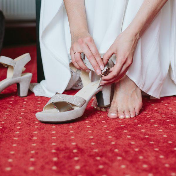 Schuhe-anziehen