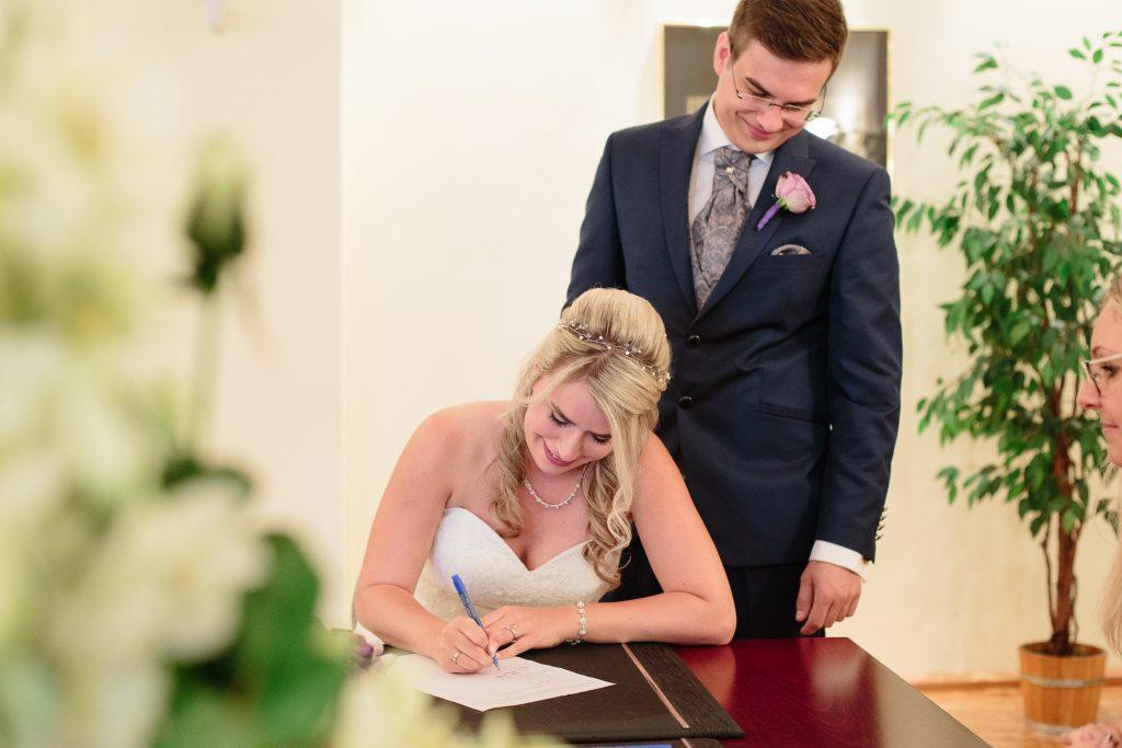 Unterschreiben-zusammen